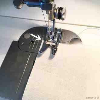 Comment assembler deux morceaux de tissu?