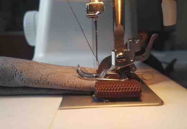 Comment coudre un tissu extensible?