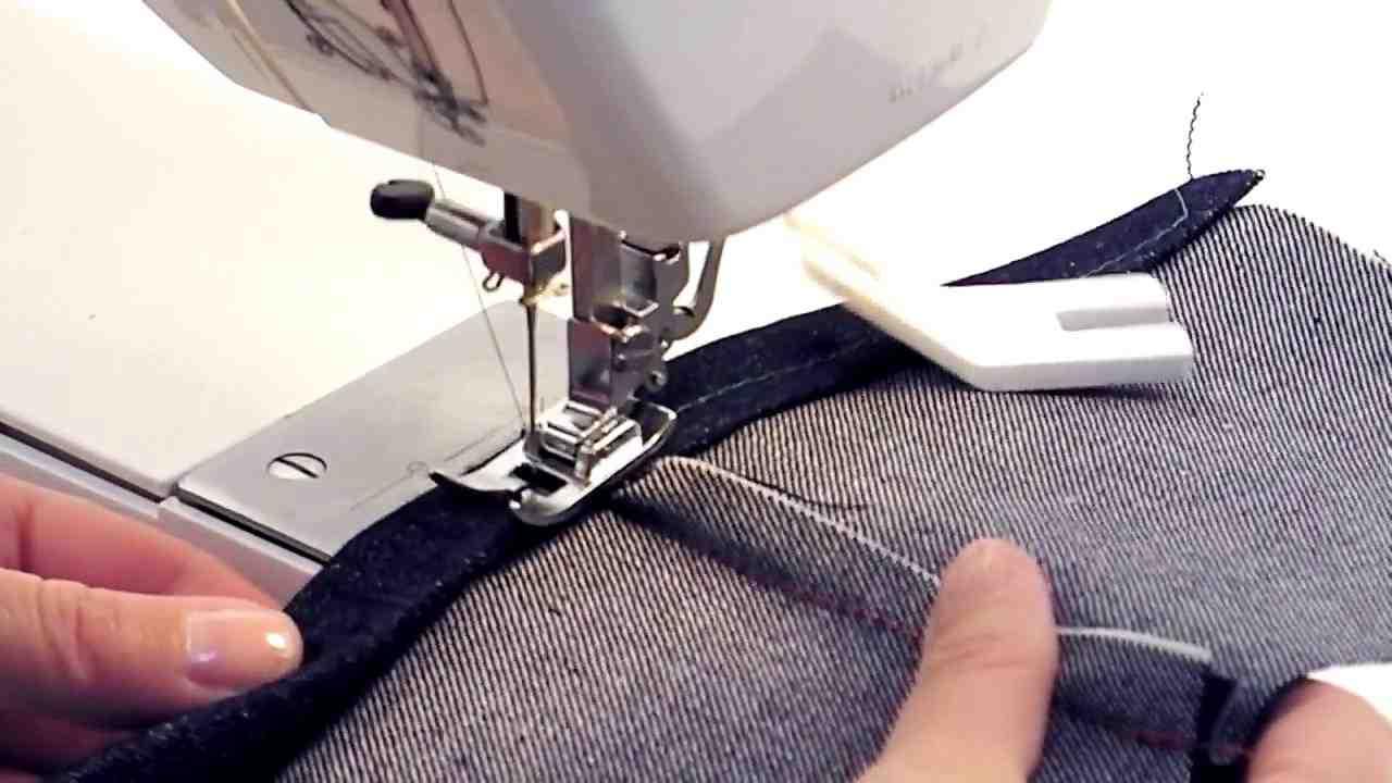 Comment puis-je coudre du tissu épais?