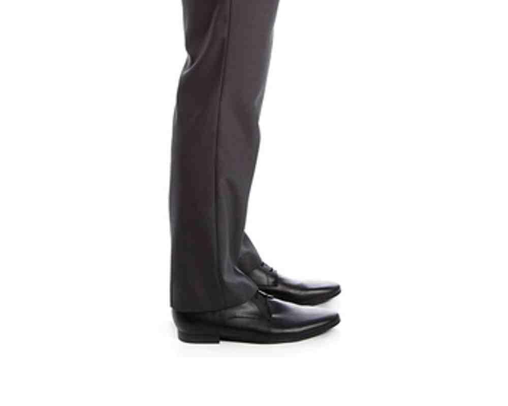 Comment raccourcir un pantalon fluide?