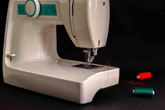 Quelle machine à coudre pour les épaisseurs épaisses?