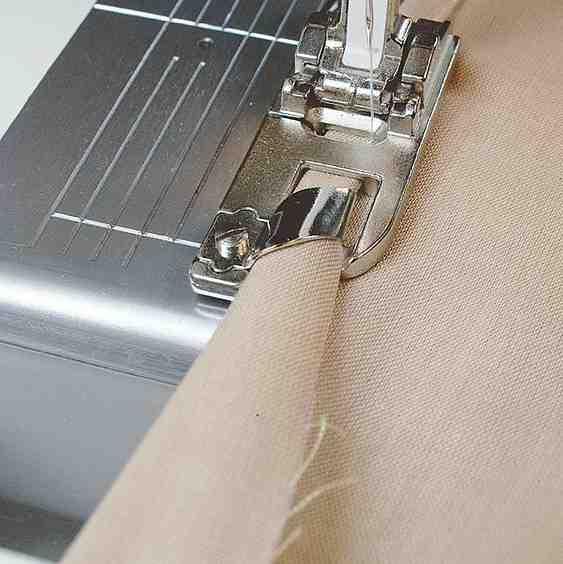 Comment faire le bord invisible du pantalon à la main?