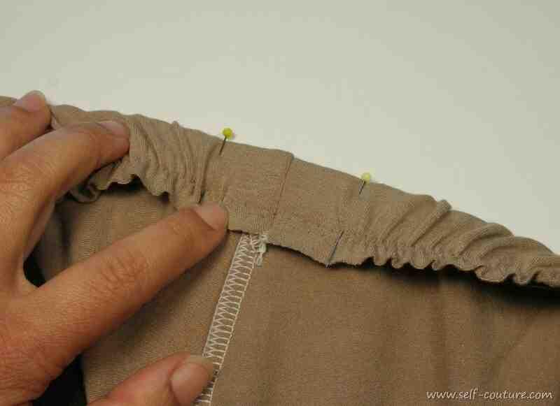 Comment réparer un pantalon ample ?